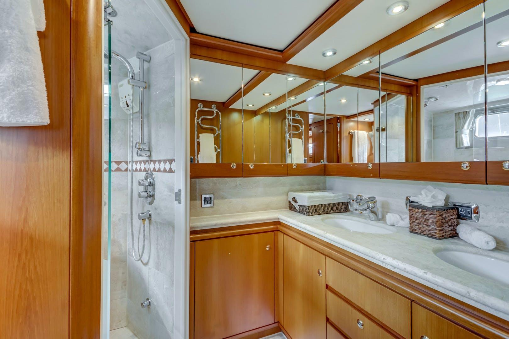 2002 Kuipers Woudsend 84' Raised Pilothouse LRC GUSTO | Picture 1 of 31