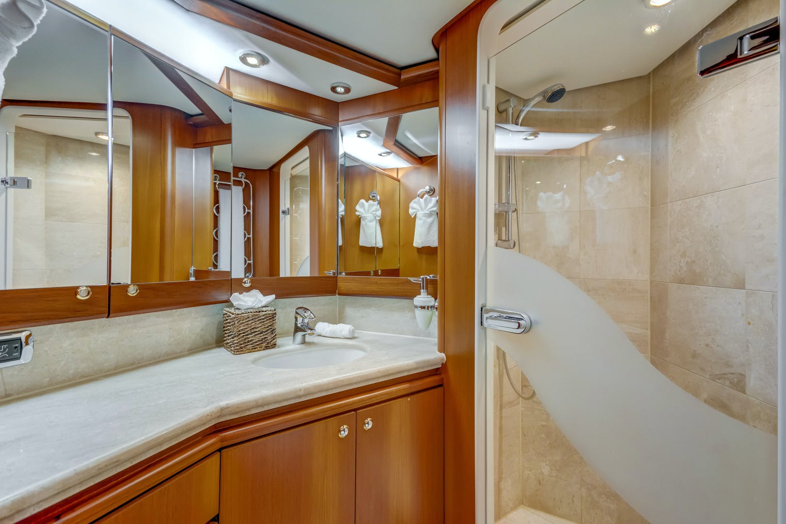 2002 Kuipers Woudsend 84' Raised Pilothouse LRC GUSTO | Picture 5 of 31