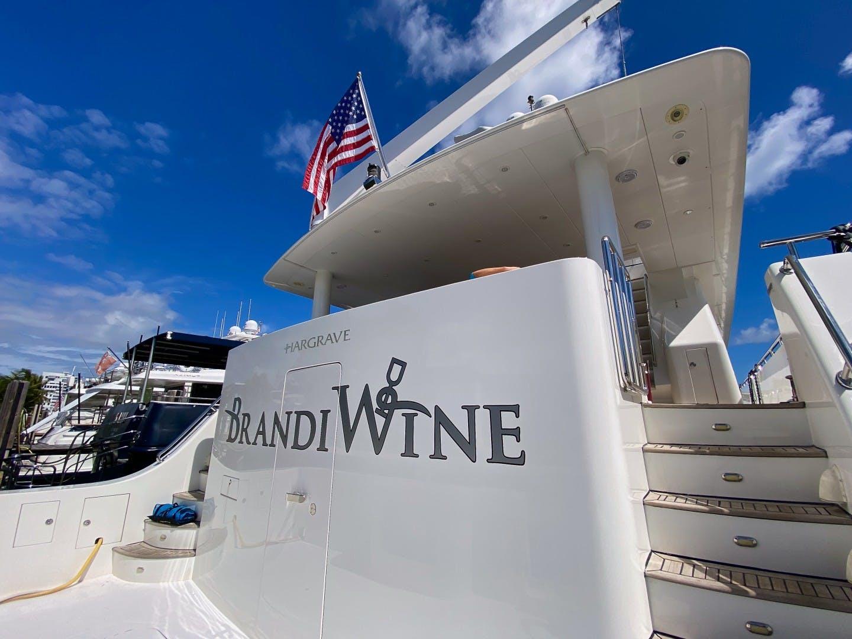 2009 Hargrave 114' Raised Pilothouse Brandi Wine   Picture 5 of 54