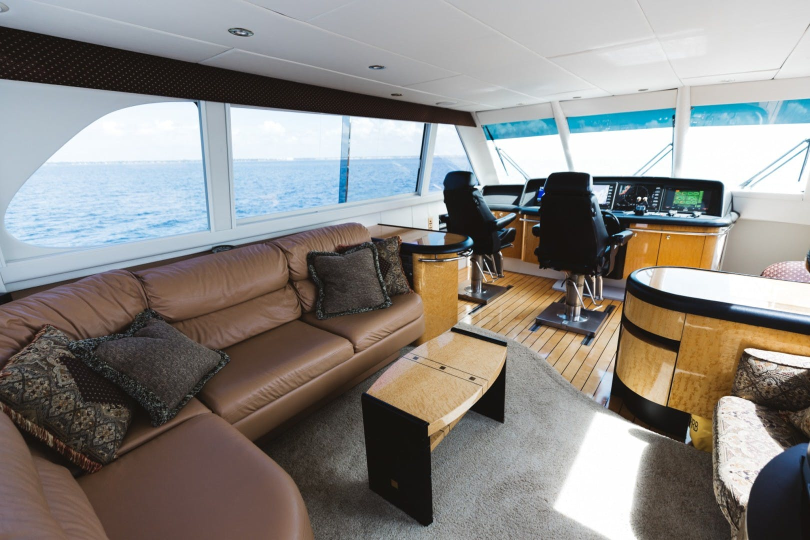 1996 Lazzara Yachts 80' 80 Cockpit Motor Yacht Double Eagle   Picture 2 of 84