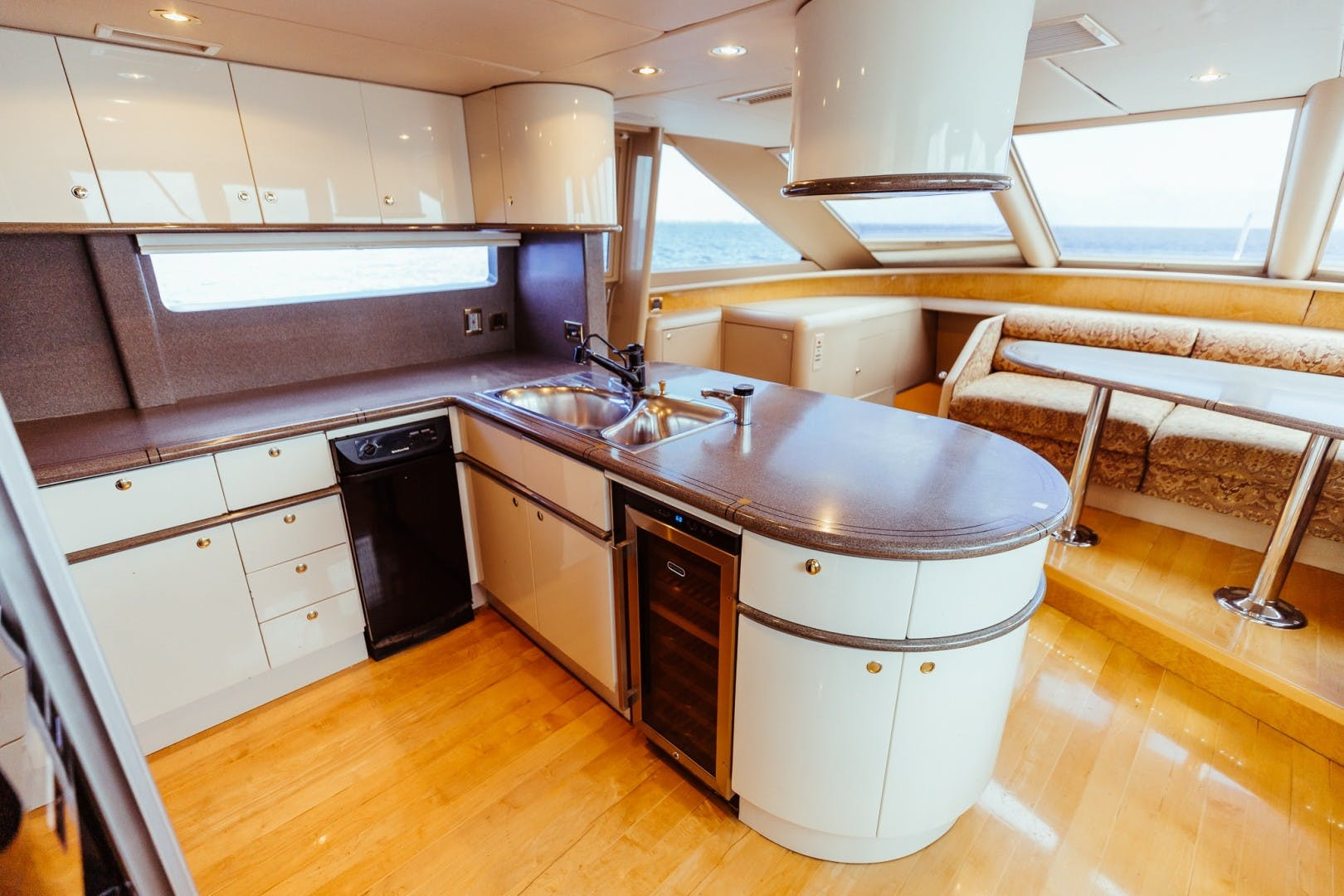 1996 Lazzara Yachts 80' 80 Cockpit Motor Yacht Double Eagle   Picture 7 of 84