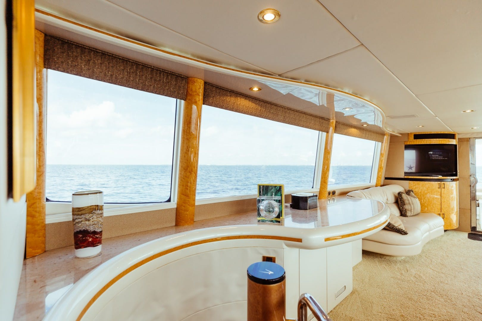 1996 Lazzara Yachts 80' 80 Cockpit Motor Yacht Double Eagle   Picture 5 of 84