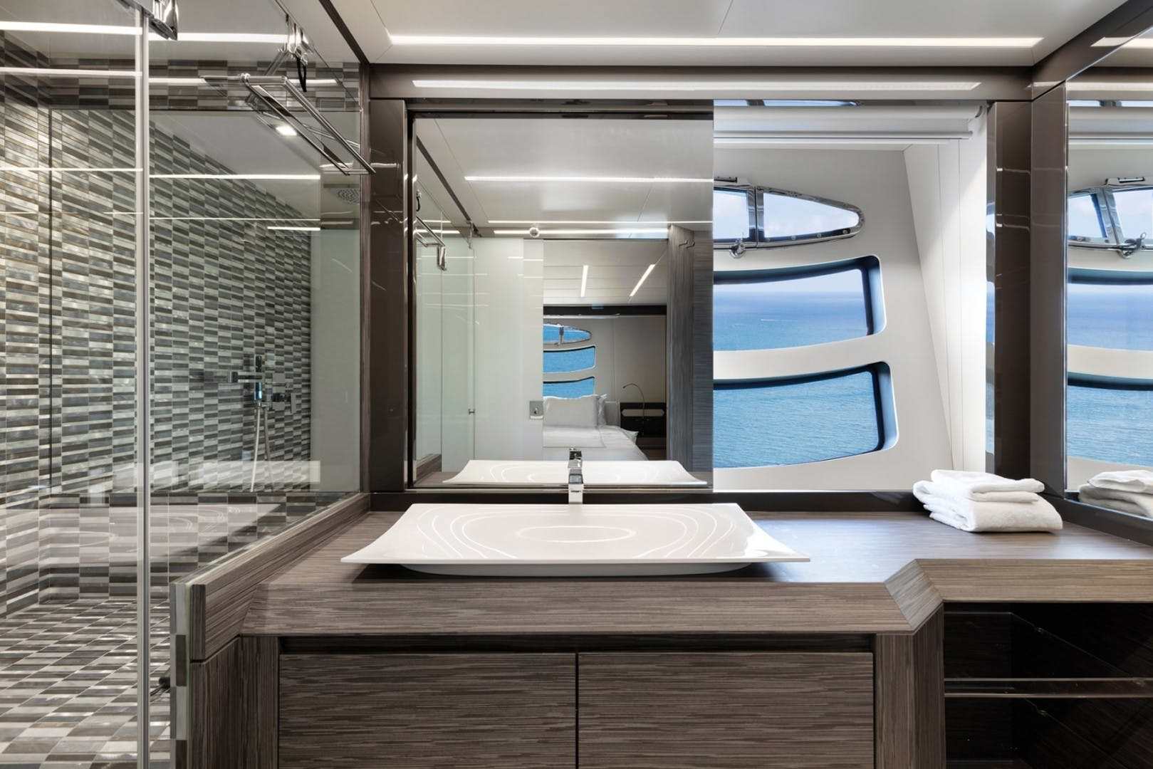 2018 Pershing 82' 82 Monarc   Picture 3 of 34