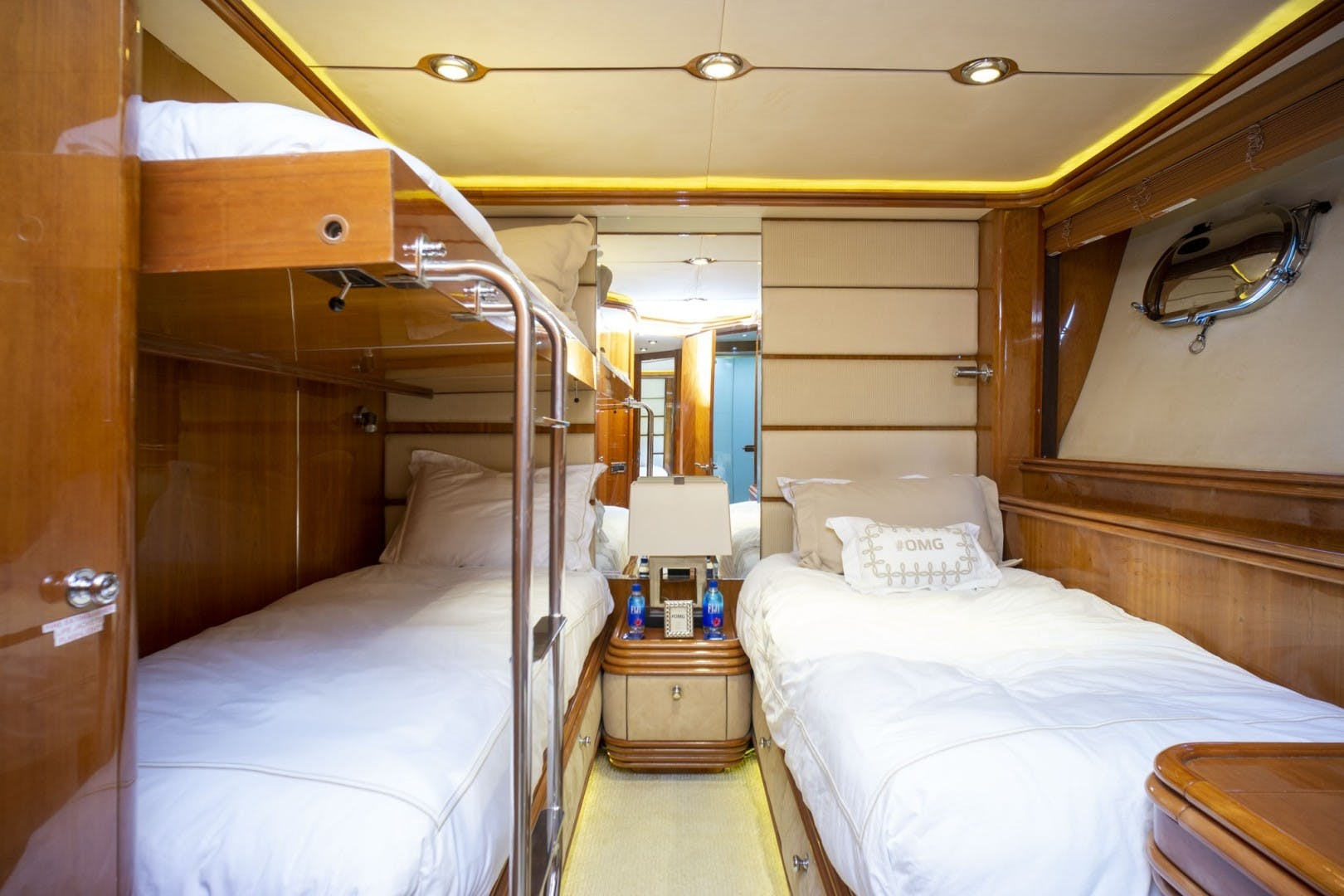 2002 Sunseeker 105' 105 Yacht OMG   Picture 7 of 57