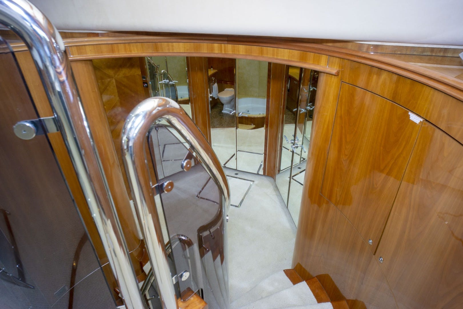 2002 Sunseeker 105' 105 Yacht OMG   Picture 3 of 57