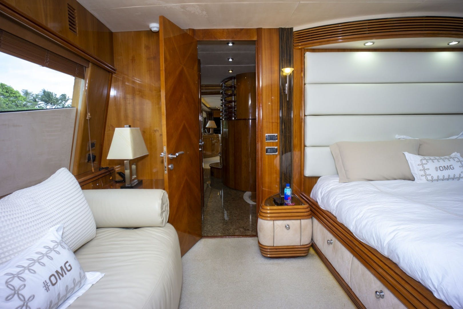 2002 Sunseeker 105' 105 Yacht OMG   Picture 8 of 57
