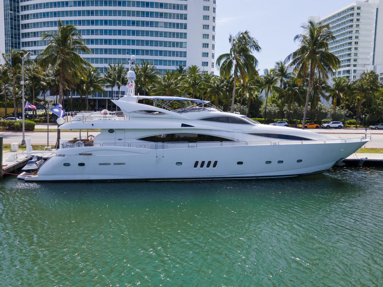 105' Sunseeker 2002 105 Yacht OMG