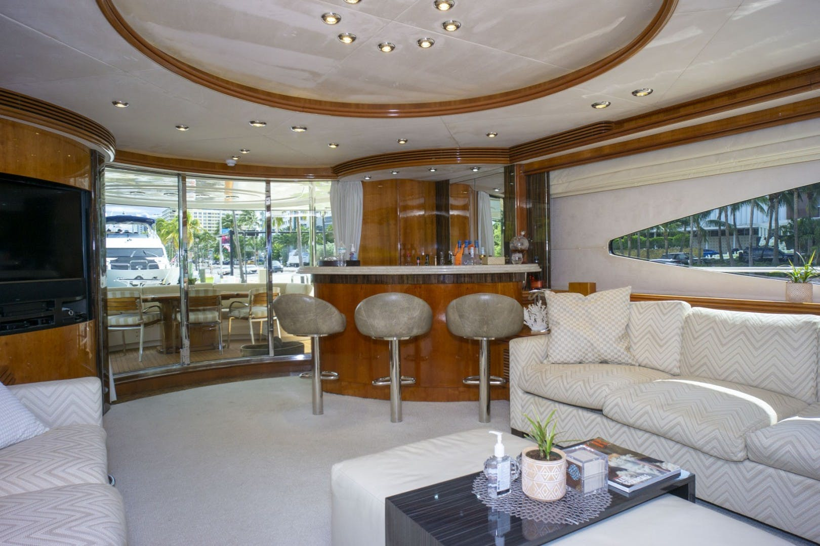 2002 Sunseeker 105' 105 Yacht OMG   Picture 2 of 57