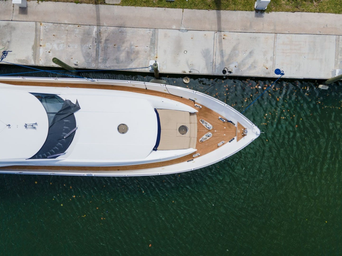 2002 Sunseeker 105' 105 Yacht OMG   Picture 4 of 57