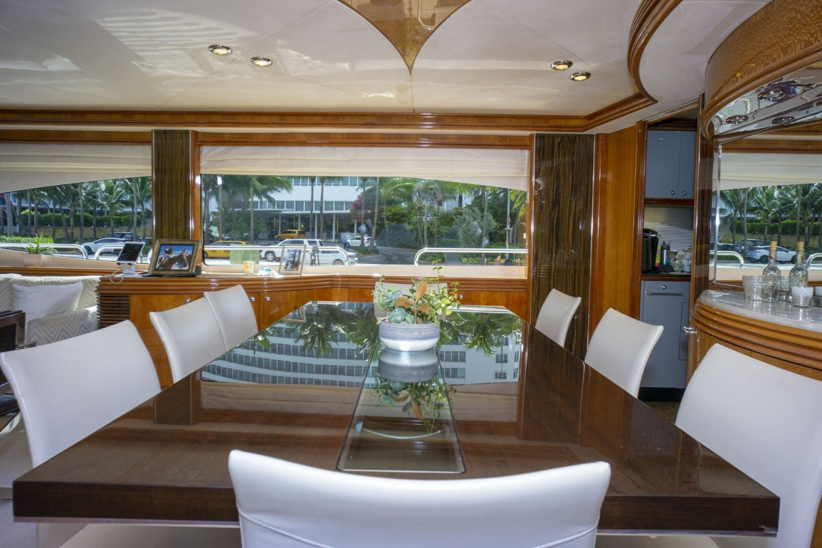 2002 Sunseeker 105' 105 Yacht OMG   Picture 6 of 57
