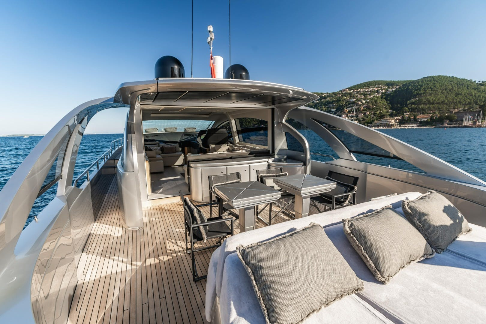 2016 Pershing 70' 70 Q80   Picture 1 of 29