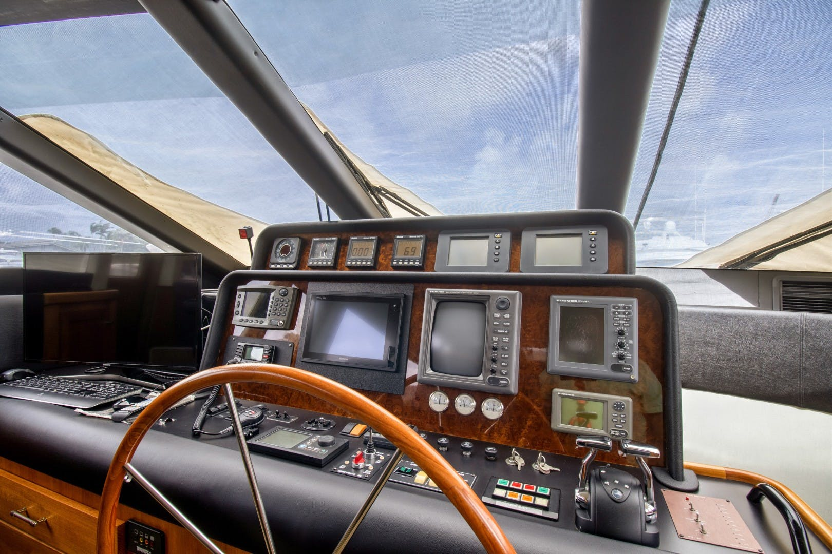 2000 Pacific Mariner 65' 65 Motoryacht ER | Picture 5 of 45