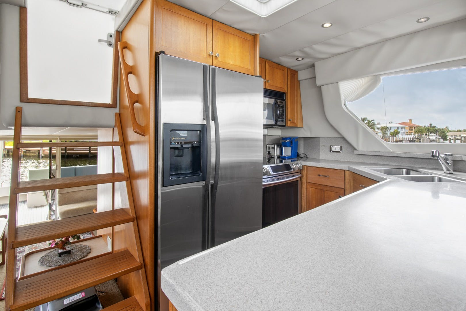 2000 Pacific Mariner 65' 65 Motoryacht ER | Picture 8 of 45