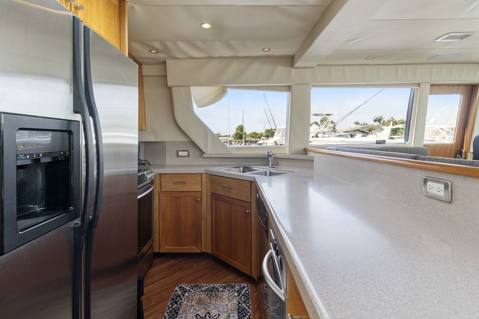 2000 Pacific Mariner 65' 65 Motoryacht ER | Picture 6 of 45