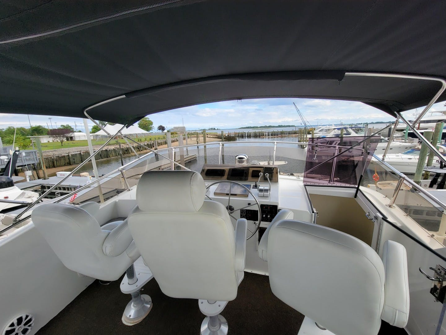 1986 Hatteras 72' 72 Cockpit Lady Patricia   Picture 6 of 114