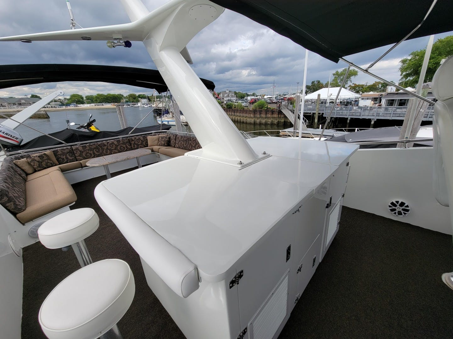 1986 Hatteras 72' 72 Cockpit Lady Patricia   Picture 5 of 114