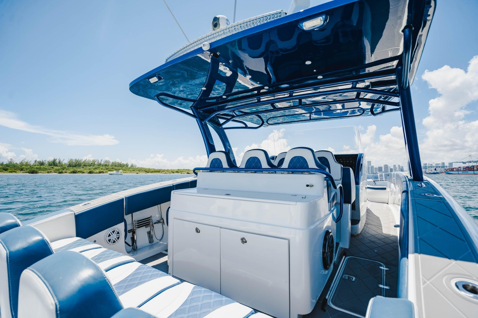 2017 Midnight Express 43' Open    Picture 8 of 20