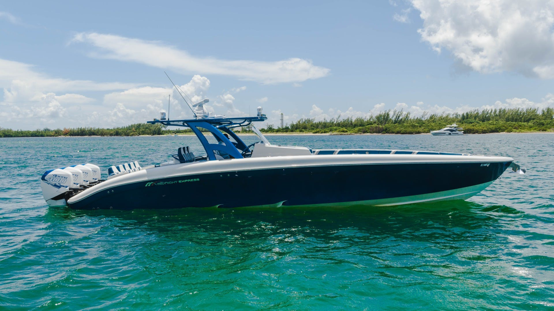 2017 Midnight Express 43' Open    Picture 1 of 20