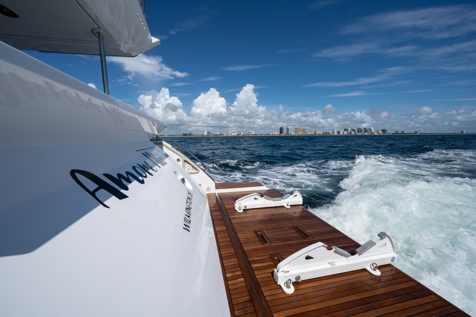 2021 Azimut 66' 66 Fly  | Picture 6 of 30
