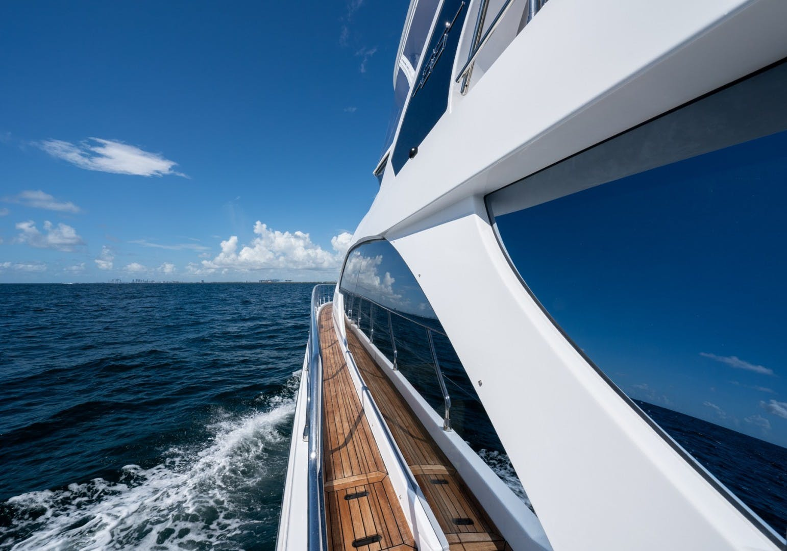 2021 Azimut 66' 66 Fly  | Picture 5 of 30
