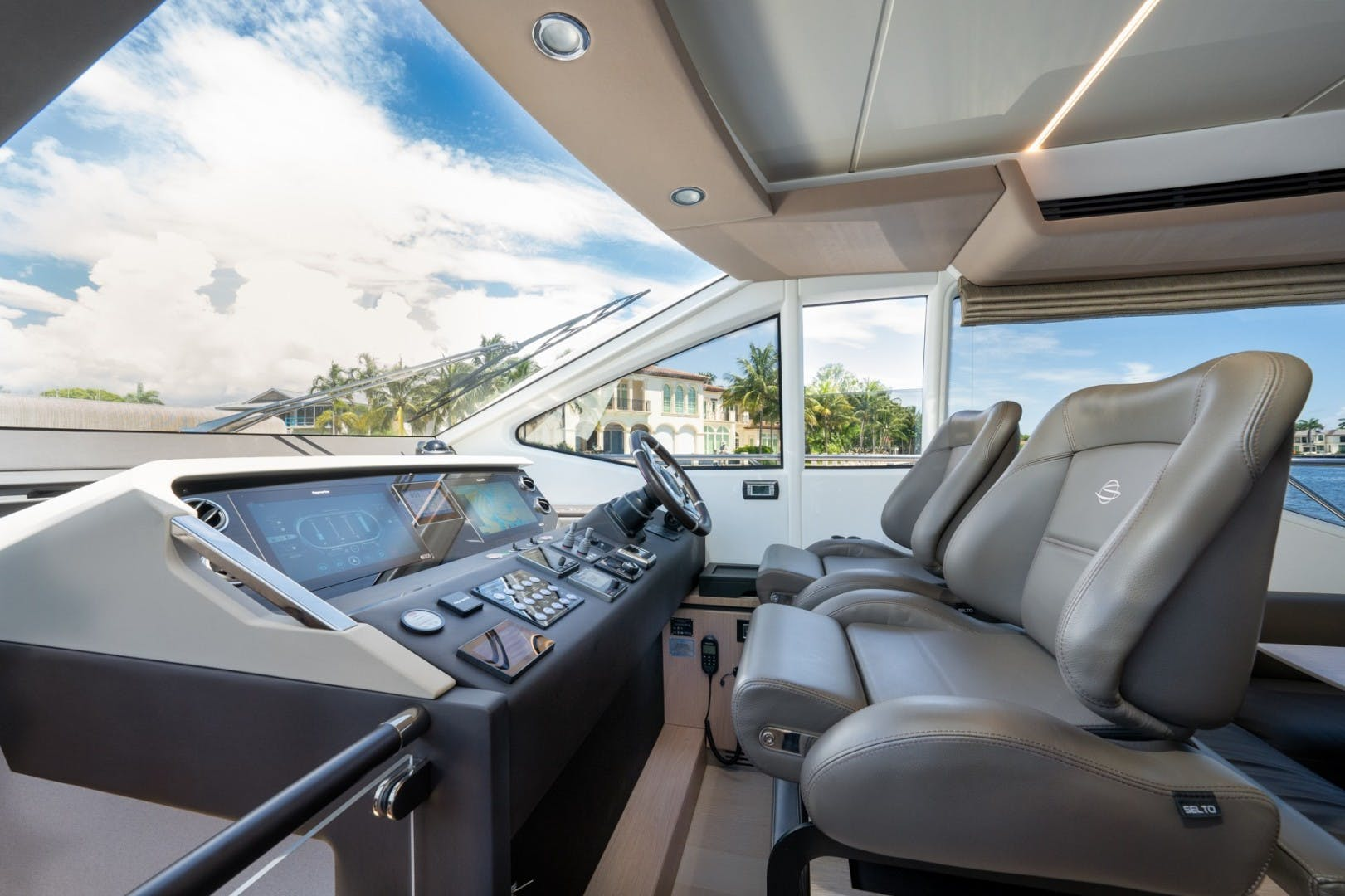 2021 Azimut 66' 66 Fly  | Picture 4 of 30