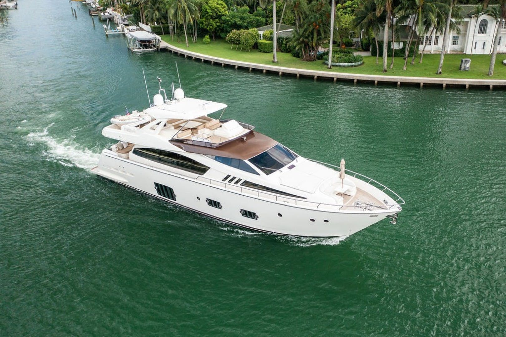 2014 Ferretti Yachts 80' F800 Living Life 3   Picture 4 of 82