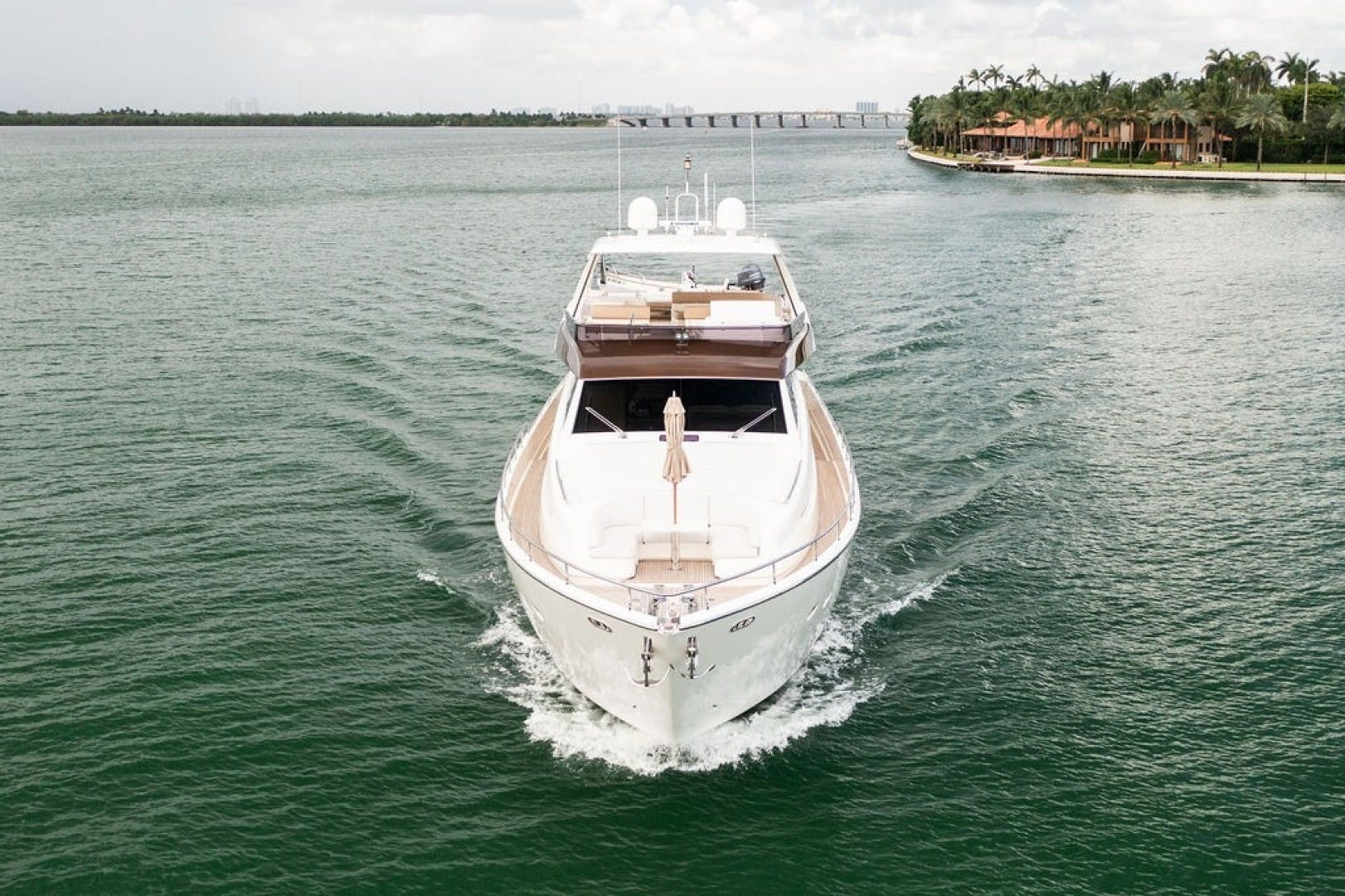 2014 Ferretti Yachts 80' F800 Living Life 3   Picture 6 of 82