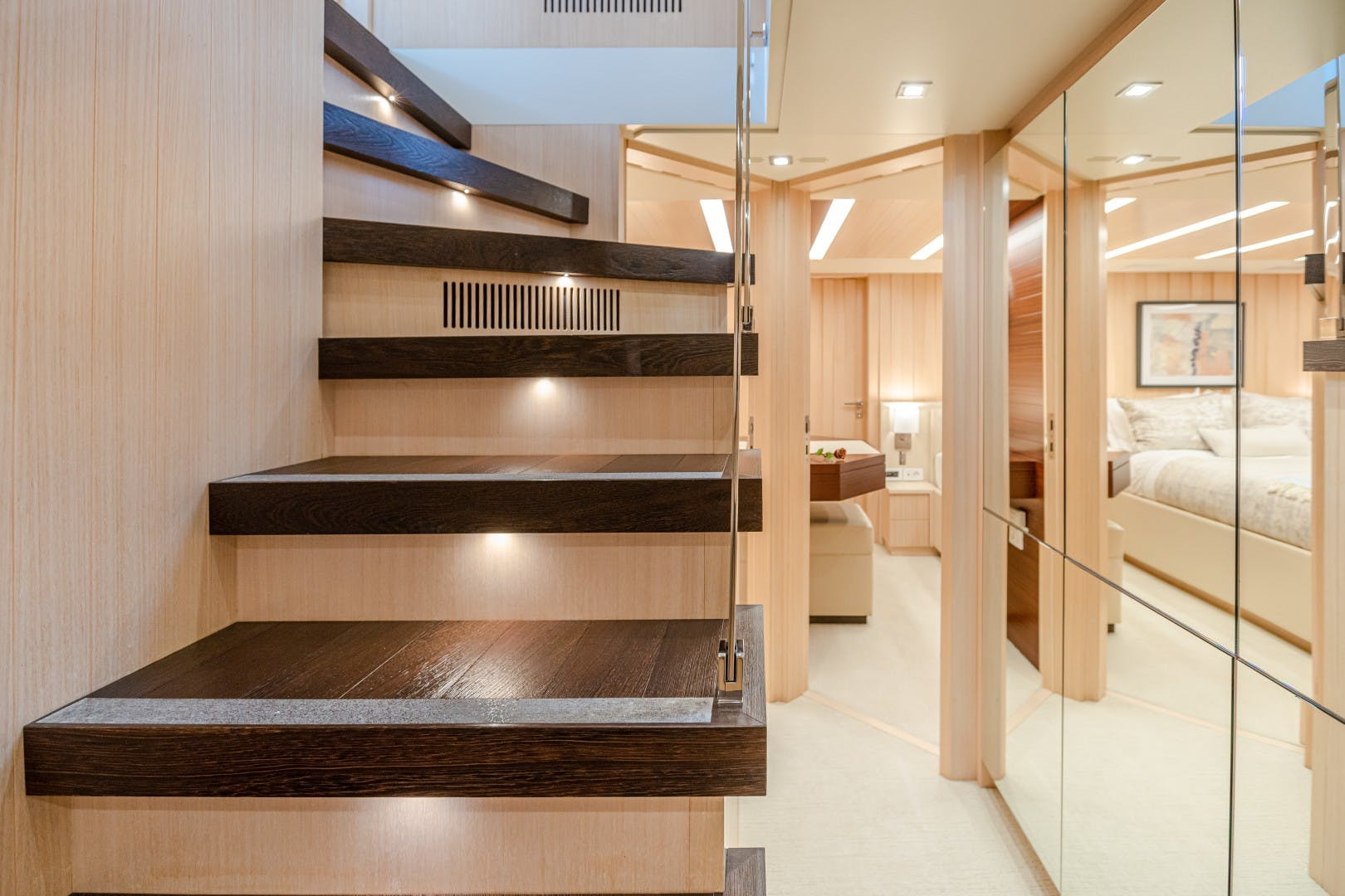 2015 Benetti 108' Tradition Supreme KELLY ANN | Picture 4 of 49