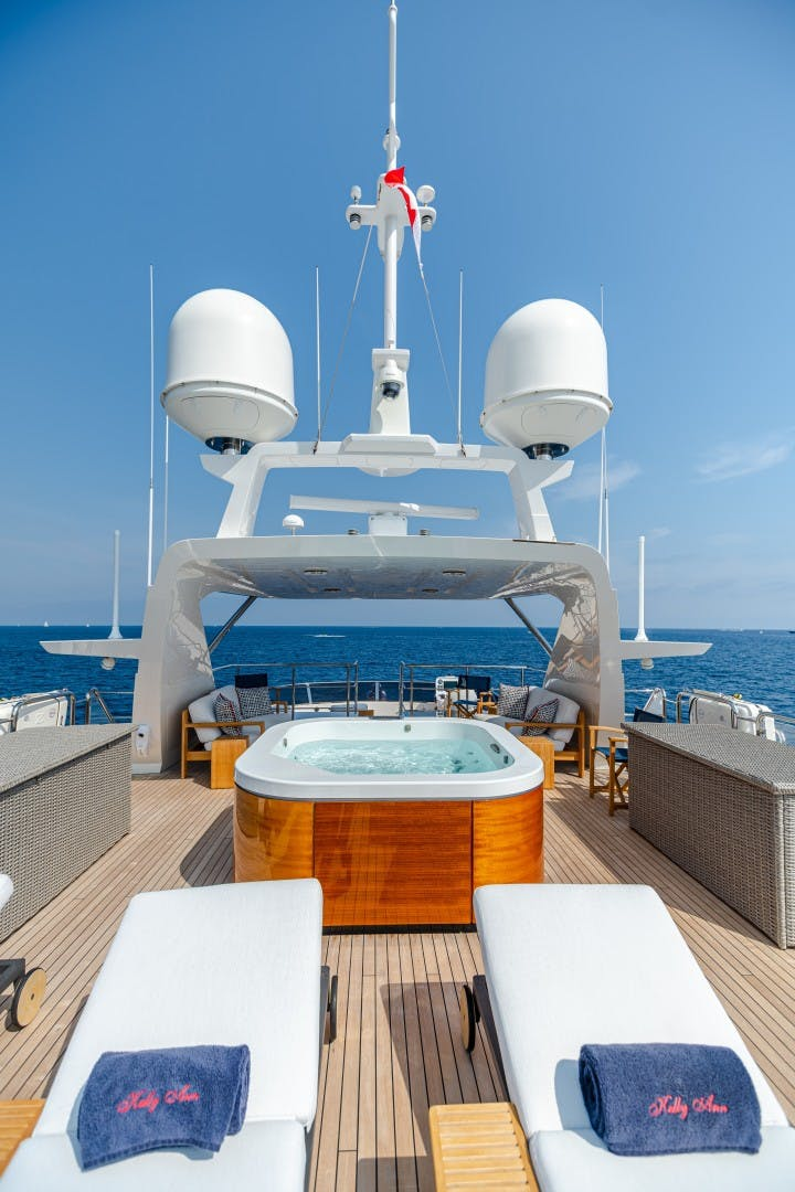 2015 Benetti 108' Tradition Supreme KELLY ANN | Picture 6 of 49