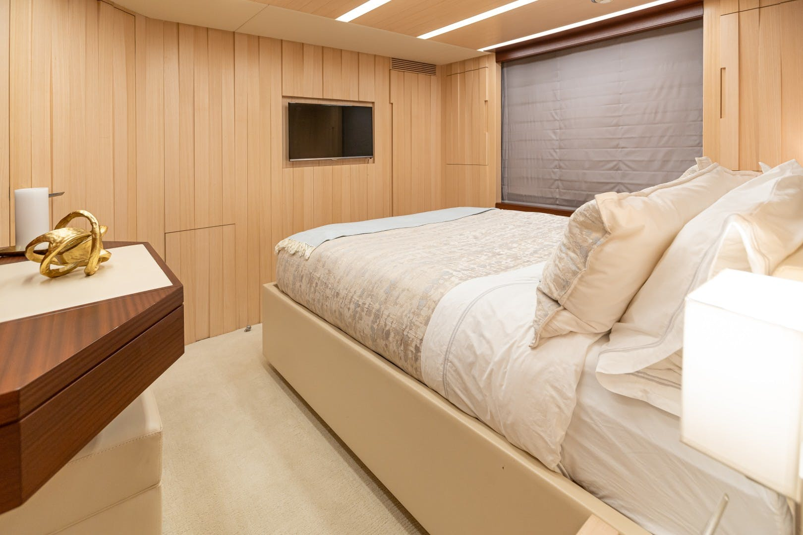 2015 Benetti 108' Tradition Supreme KELLY ANN | Picture 1 of 49