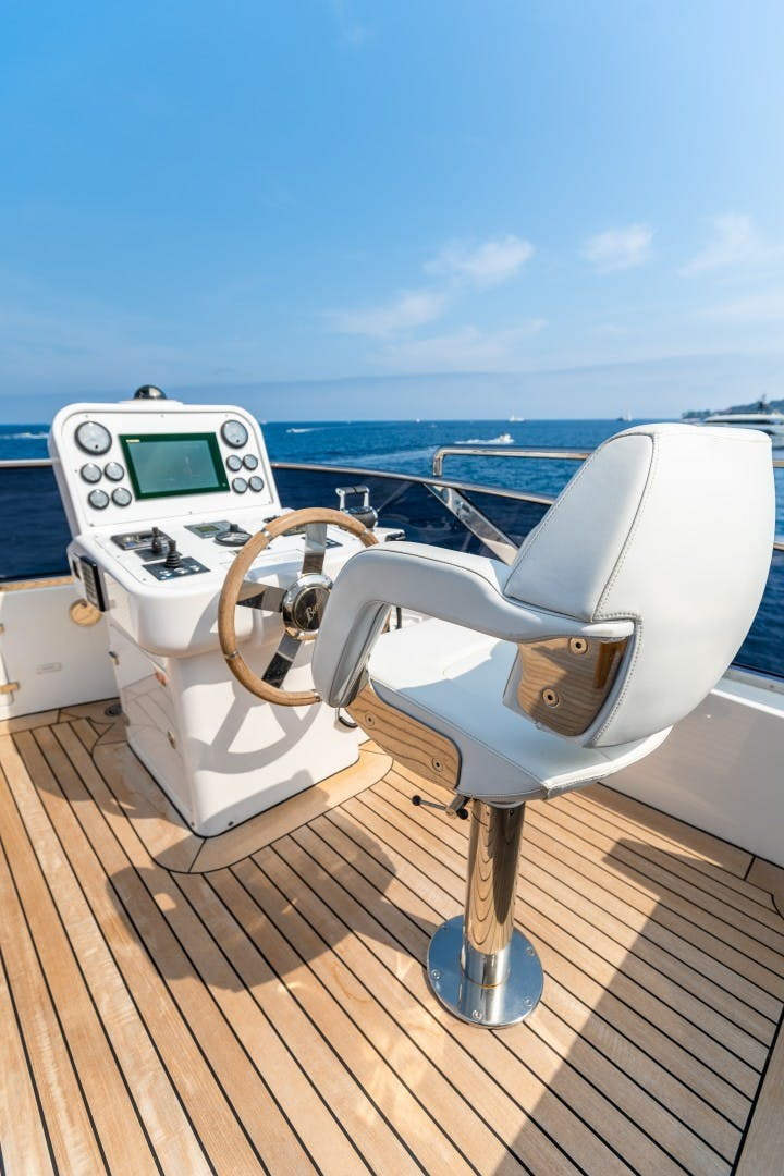 2015 Benetti 108' Tradition Supreme KELLY ANN | Picture 3 of 49