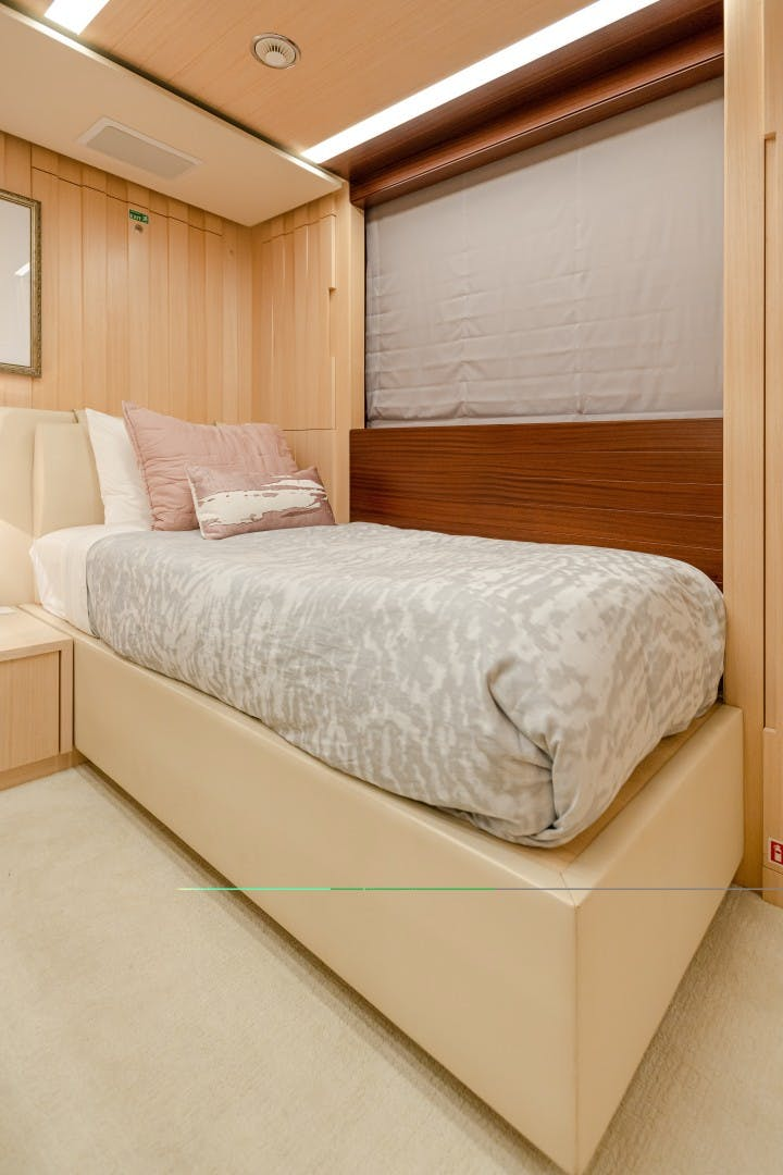 2015 Benetti 108' Tradition Supreme KELLY ANN | Picture 2 of 49