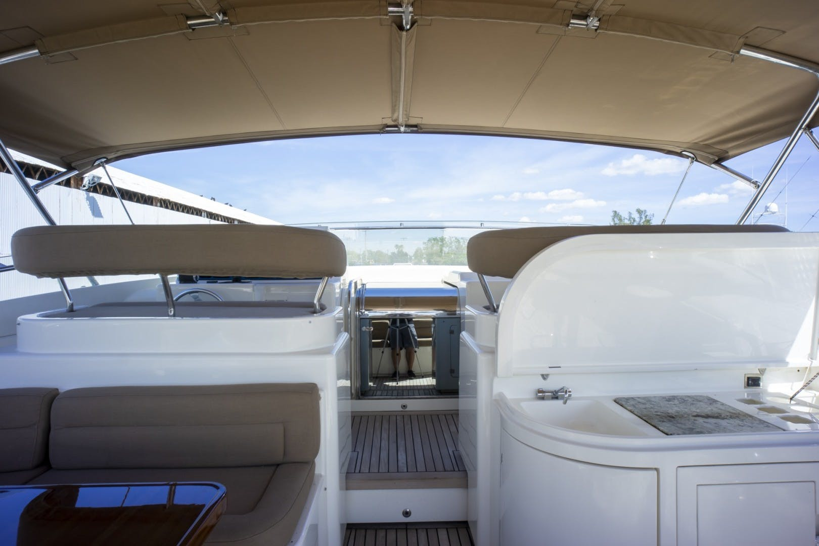 2000 Ferretti Yachts 94' Custom Line 94    Picture 2 of 68