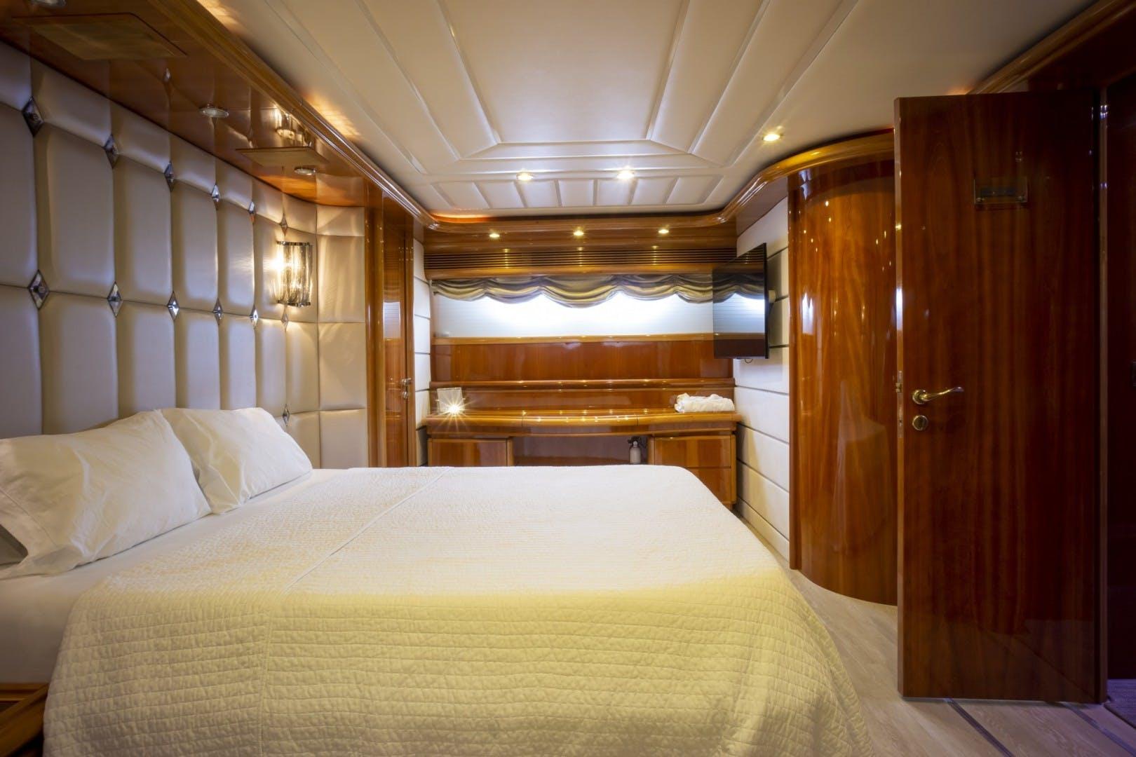 2000 Ferretti Yachts 94' Custom Line 94    Picture 1 of 68