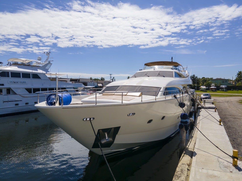 2000 Ferretti Yachts 94' Custom Line 94    Picture 5 of 68