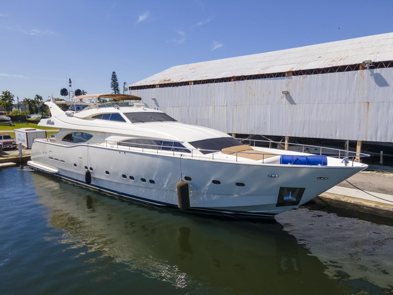 94' Ferretti Yachts 2000 Custom Line 94