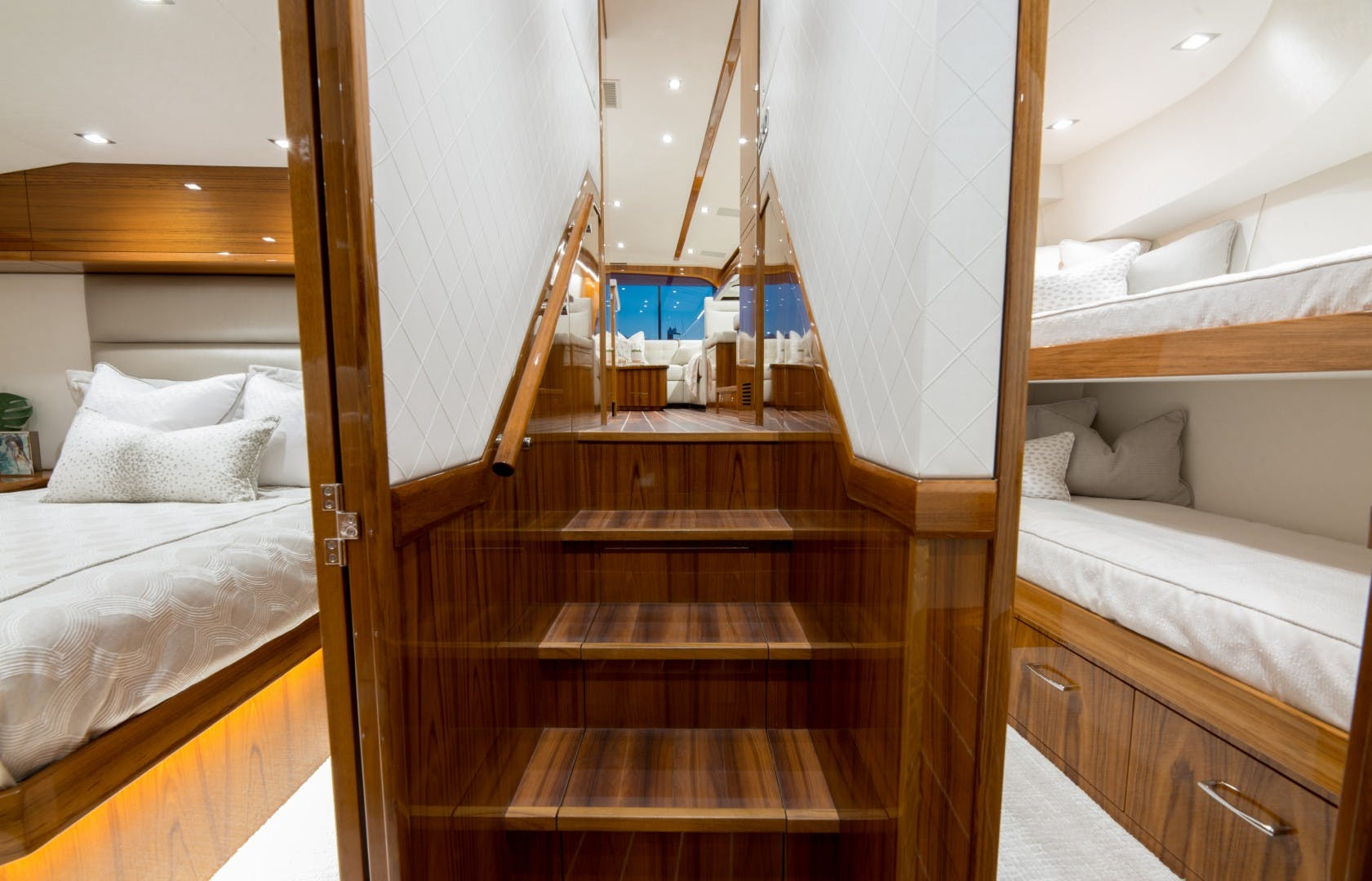 2021 Hatteras 65' GT65 Carolina Series RASCAL   Picture 3 of 37