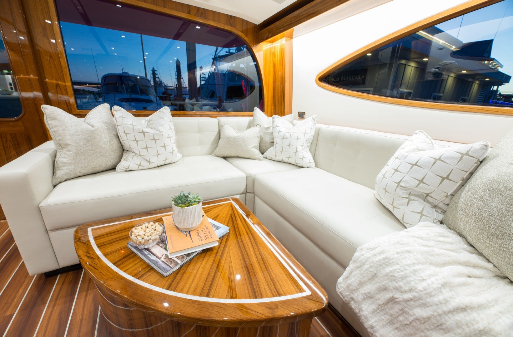 2021 Hatteras 65' GT65 Carolina Series RASCAL   Picture 7 of 37