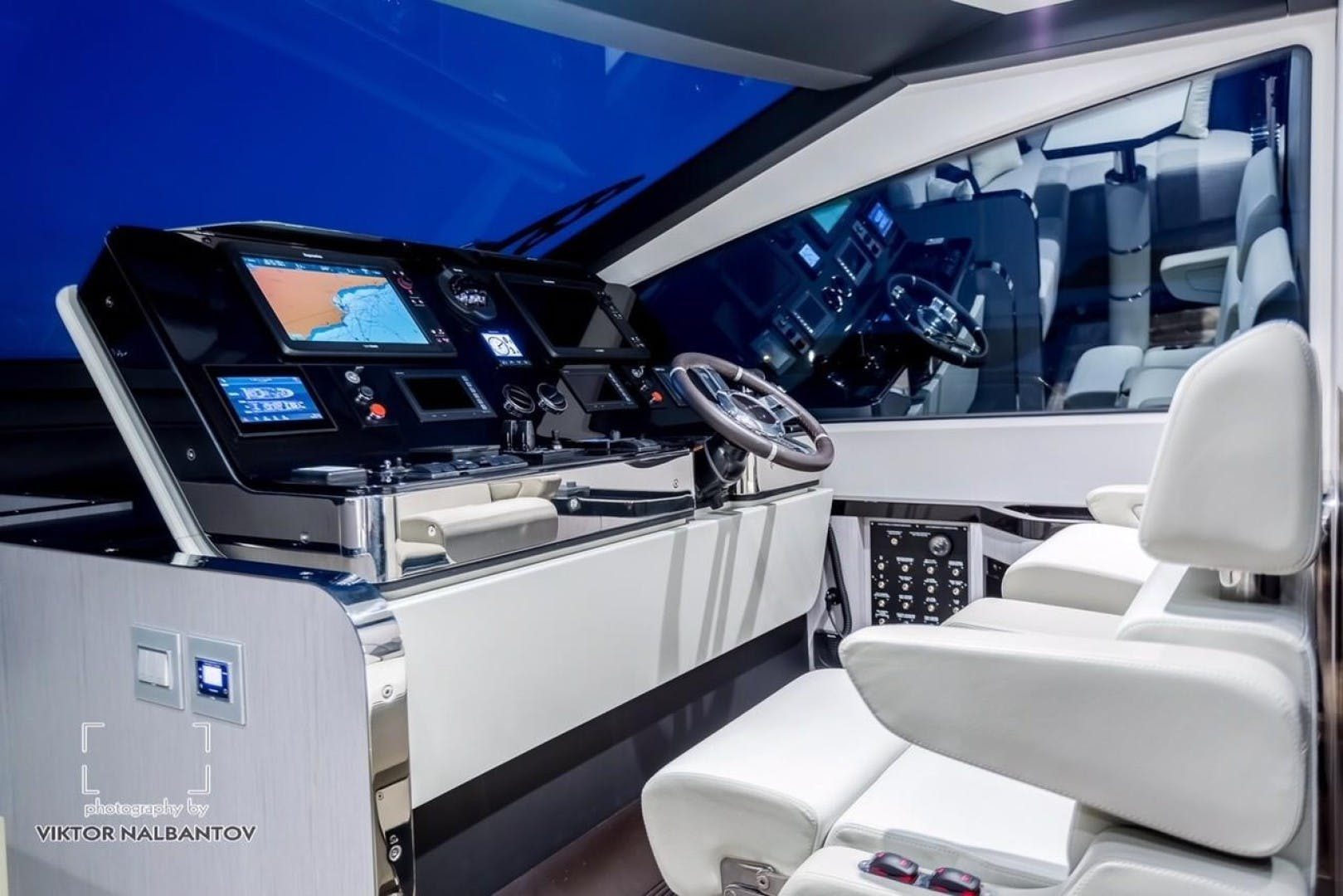 2018 Azimut 80'     Picture 1 of 57