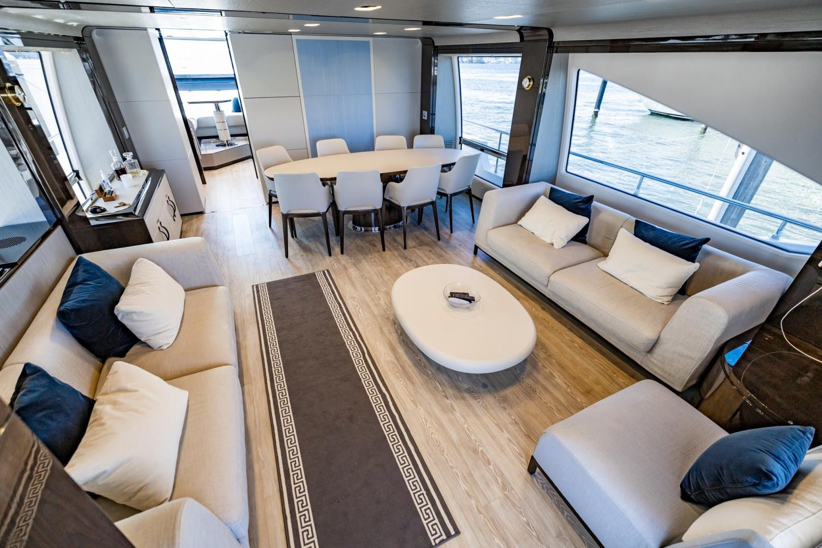 2018 Azimut 80'     Picture 2 of 57