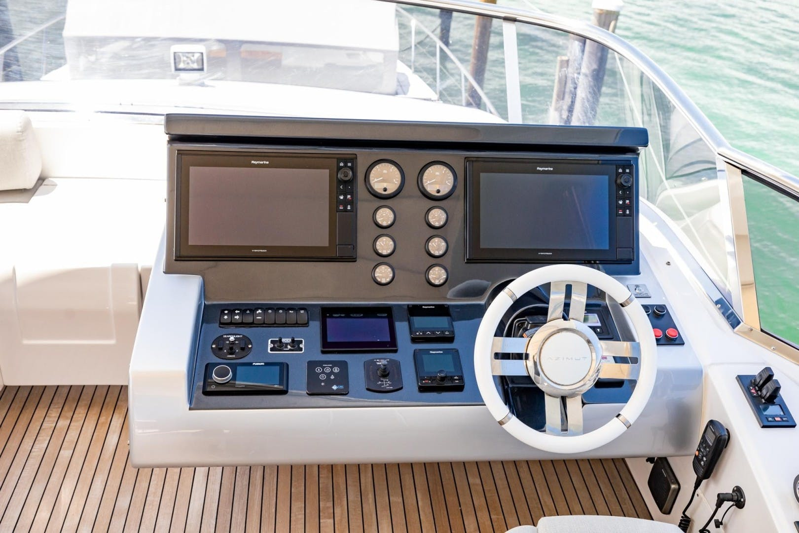 2018 Azimut 80'     Picture 5 of 57