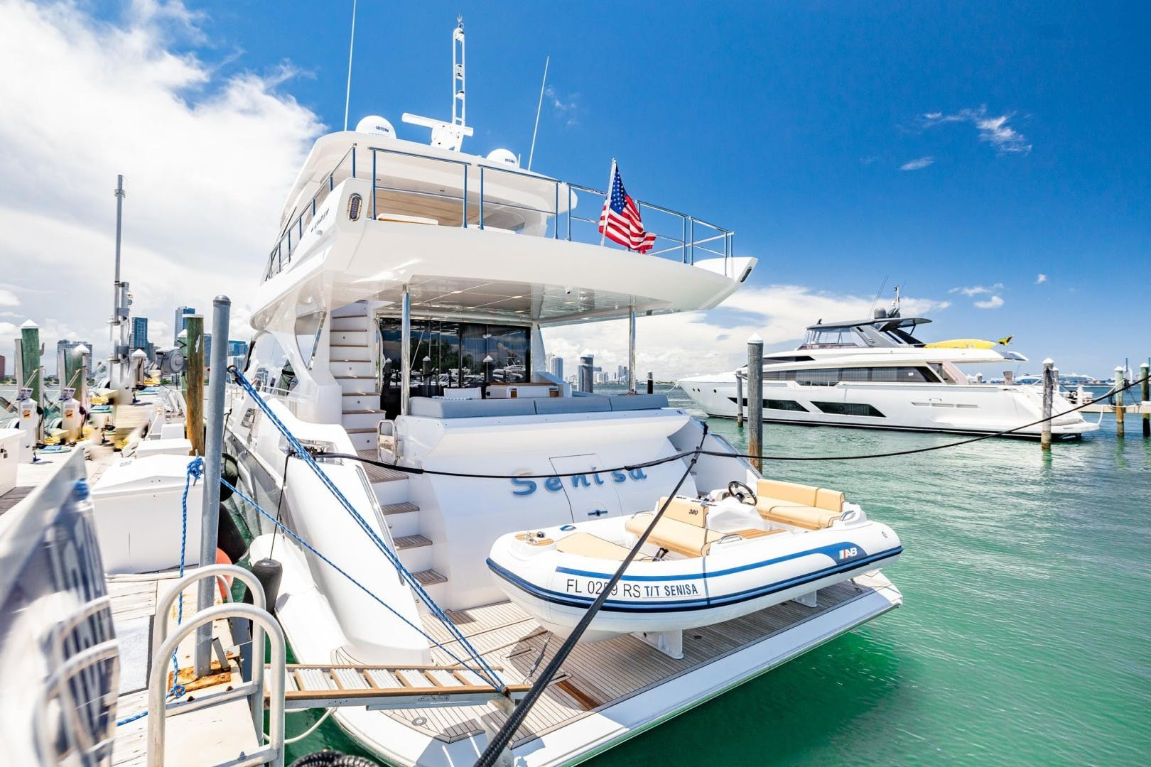 2018 Azimut 80'     Picture 6 of 57