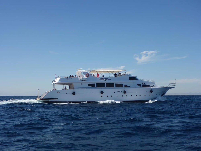 2000 Custom 102' Dive Boat Sim Sim | Picture 2 of 67