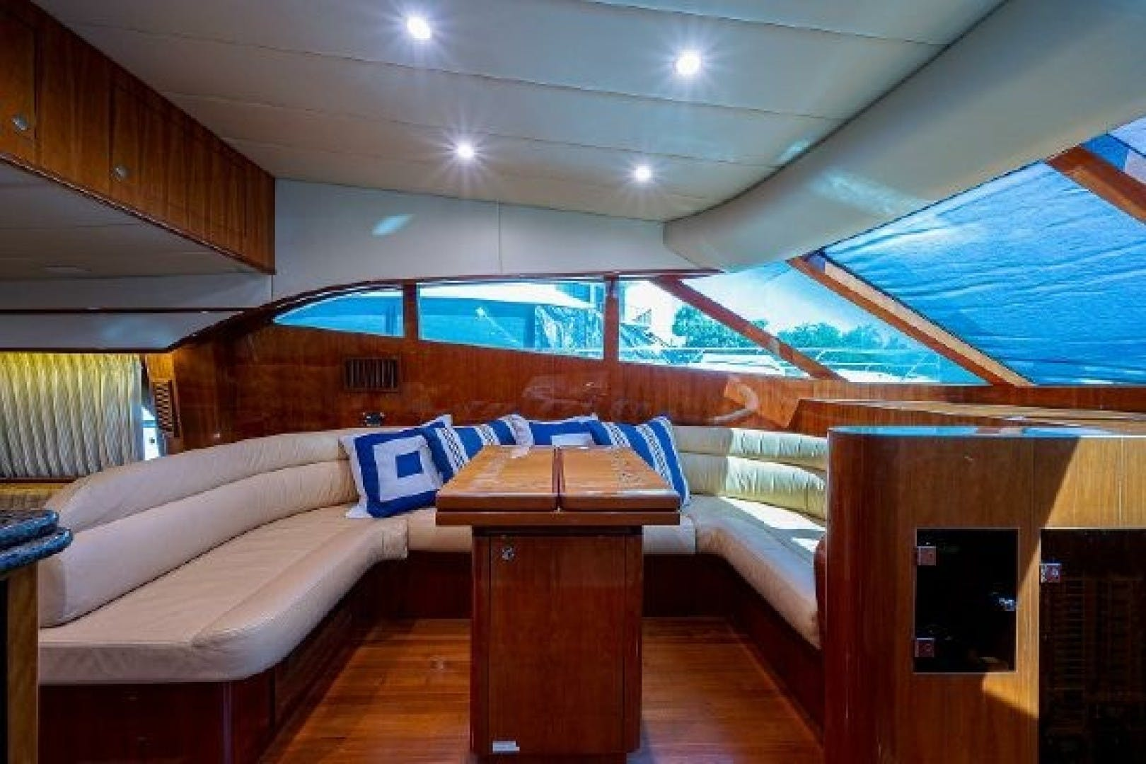2010 Johnson 70' Cruiser Red Moon | Picture 5 of 48