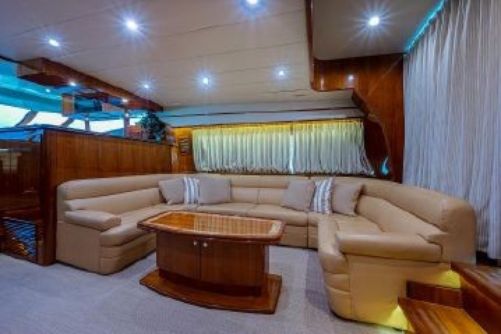 2010 Johnson 70' Cruiser Red Moon | Picture 7 of 48