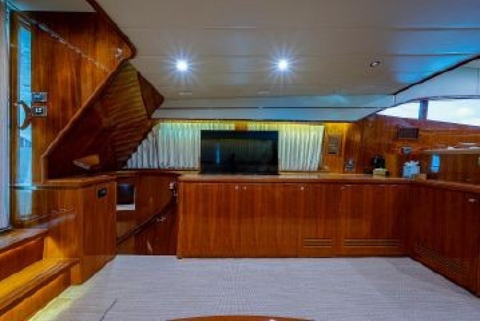 2010 Johnson 70' Cruiser Red Moon | Picture 8 of 48
