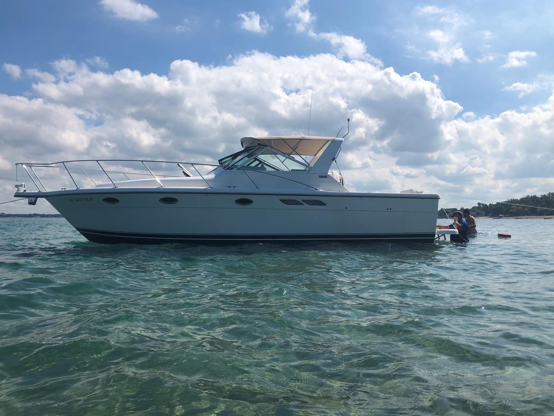 31' Tiara Yachts 2001  Diamond Girl