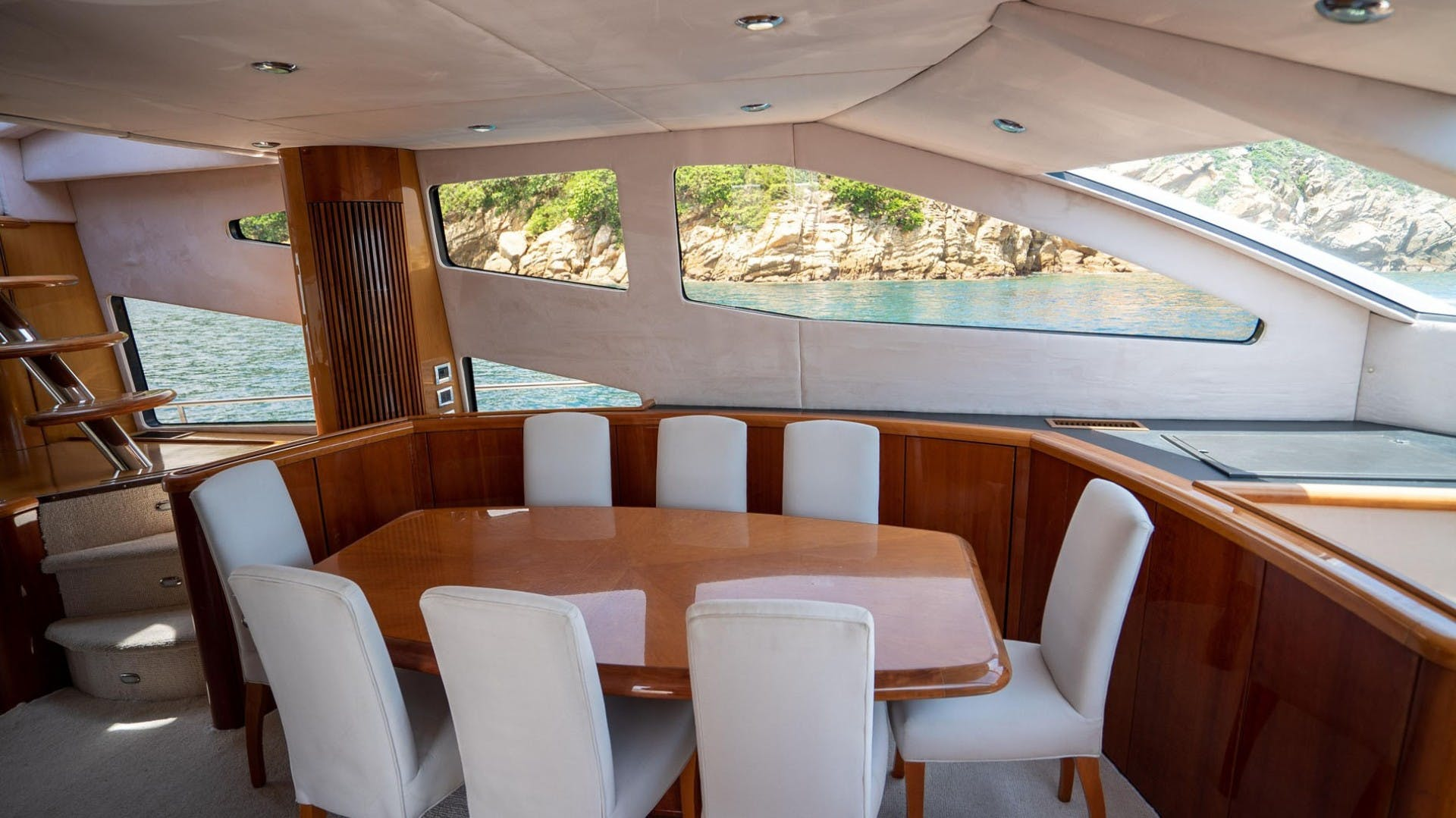 2004 Sunseeker 75' 75 Motor Yacht Lucky | Picture 8 of 113