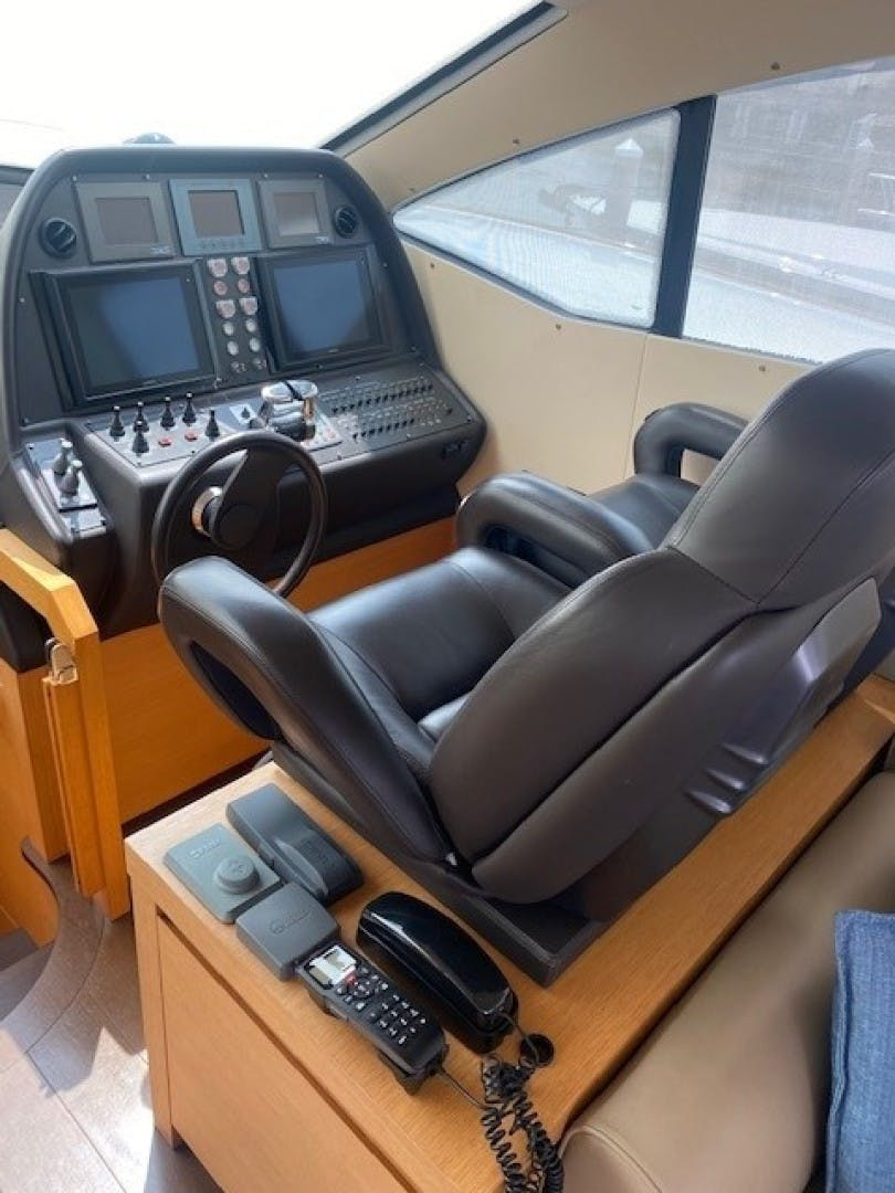2013 Pershing 64'  SoundView   Picture 8 of 33