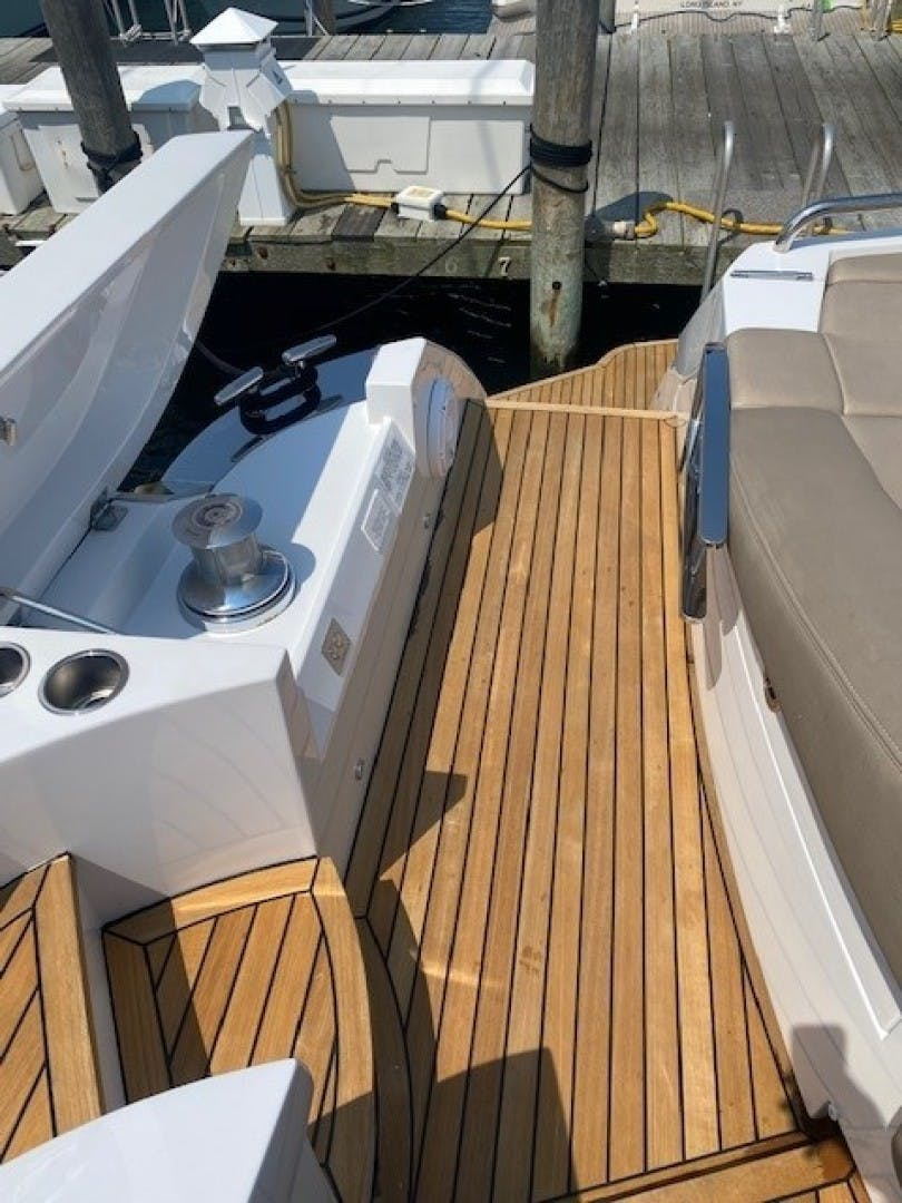 2013 Pershing 64'  SoundView   Picture 5 of 33